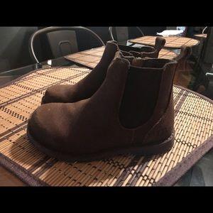 Toddler boy UGG Callum boots size 9